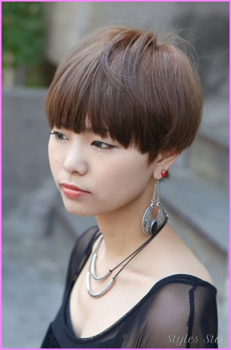 medium blunt haircut with bangs short blunt haircuts with bangs stylesstar com