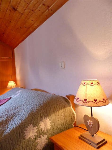 chambre des m騁iers haute savoie location vacances chambre d h 244 tes le vieux chalet 224