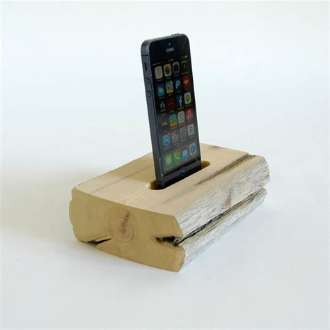diy docking station 22 easy diy driftwood docking stations for your devices