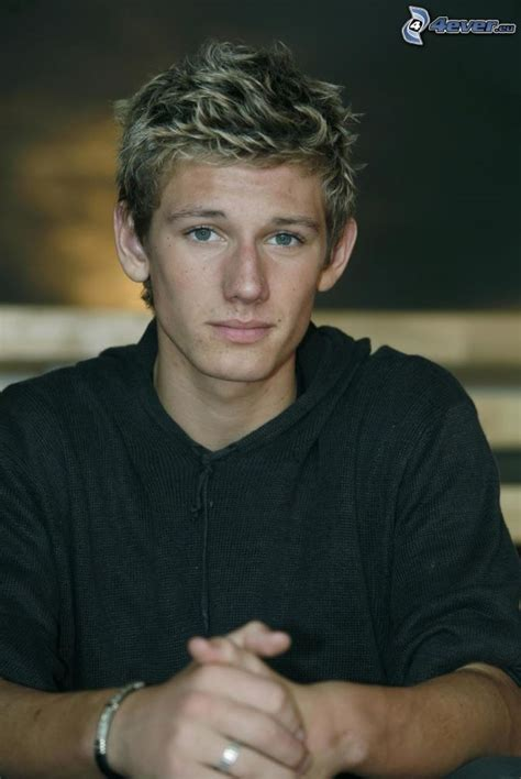 guy celebs with light hair alex pettyfer