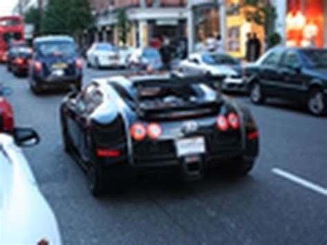 Bugatti Veyron On The Road 3x Bugatti Veyron On The Road