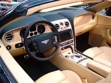 bentley inside view file bently contienental gtc inside jpg wikipedia
