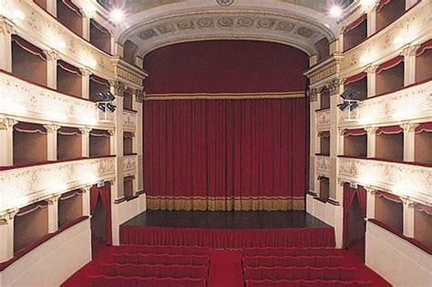 teatro degli illuminati cittã di teatro degli illuminati citt 224 di turismo