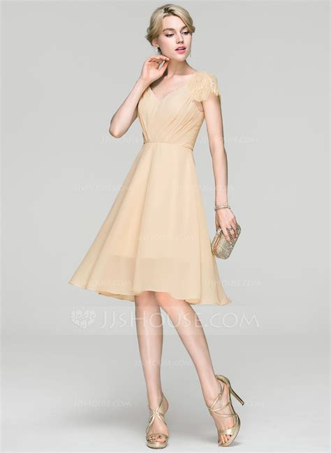 A Line/Princess V neck Knee Length Chiffon Cocktail Dress