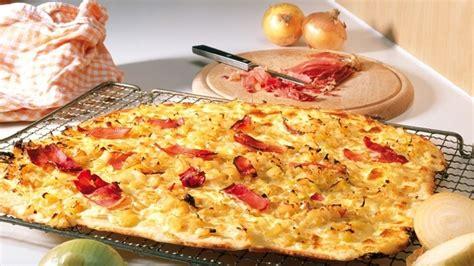 flamm kuchen flammkuchen pizza alsace style switzerland tourism