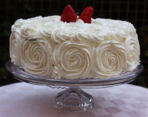 decorar una tarta con merengue decorar una tarta con rosas paperblog