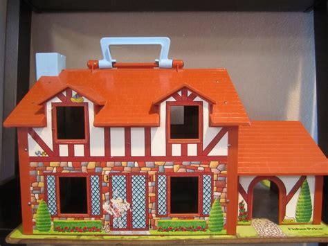 fisher price vintage doll house  garage opens  door
