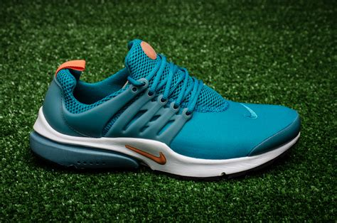 Sepatu Nike One 01 Casual Sneaker Running 40 44 nike air presto essential shoes casual sporting goods sil lt