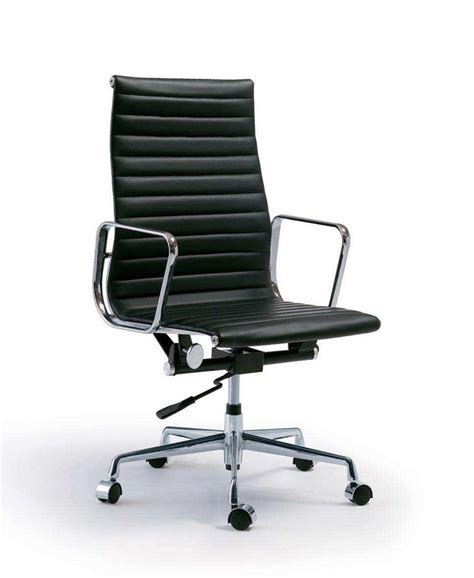 tappezzeria i maestri charles eames aluminium chairs