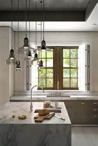 staggered light pendants kitchen island