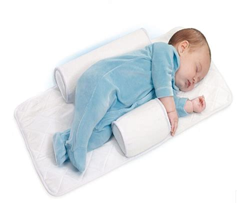 Baby Sleeps On Side In Crib Best 25 Newborn Baby Ideas On What A Is Newborn Baby And