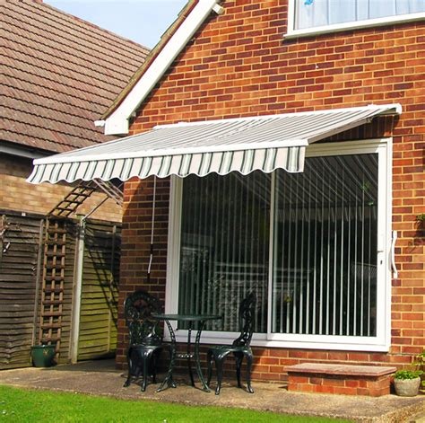 Green Awnings by 9ft 10 Quot Manual Retractable Awning With Semi Protective