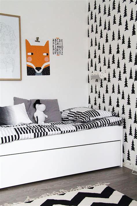 dix papiers peints pour une chambre d enfant the small issue