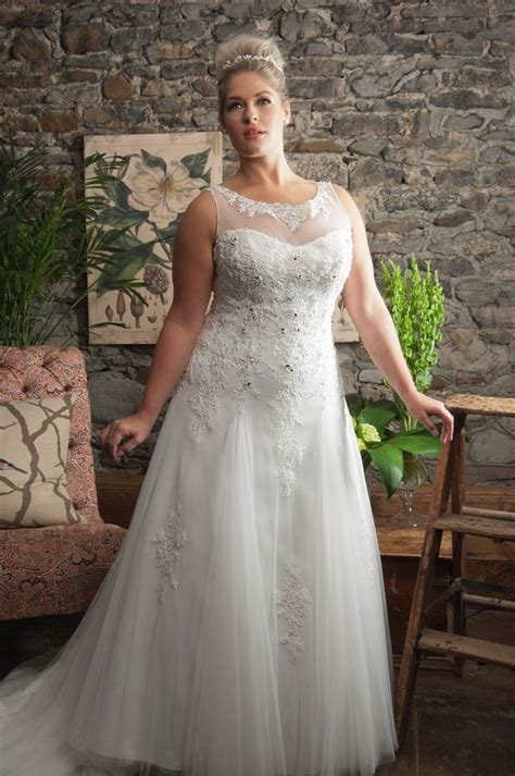 White/Ivory Lace Plus Size Wedding Dress Bridal Gown