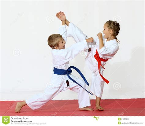 Karate The Masster Of Attack And Defence receptions of self defence protecting from an attack a