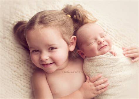 9 newborn and big sibling photography ideas photos