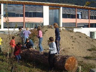 giochi da cortile il cortile scolastico come area gioco vke