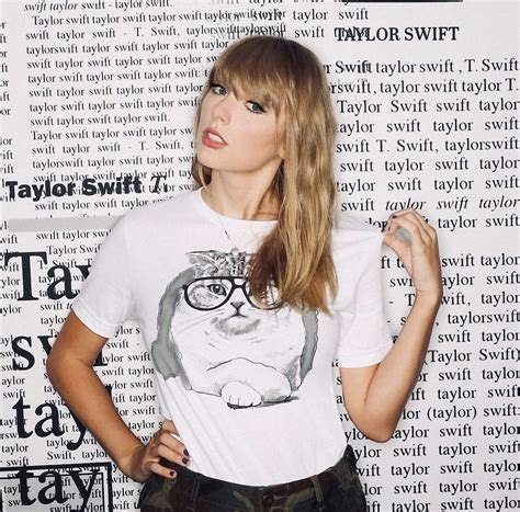 taylor swift cat top taylor swift white cat shirt hoodie sweater v neck t