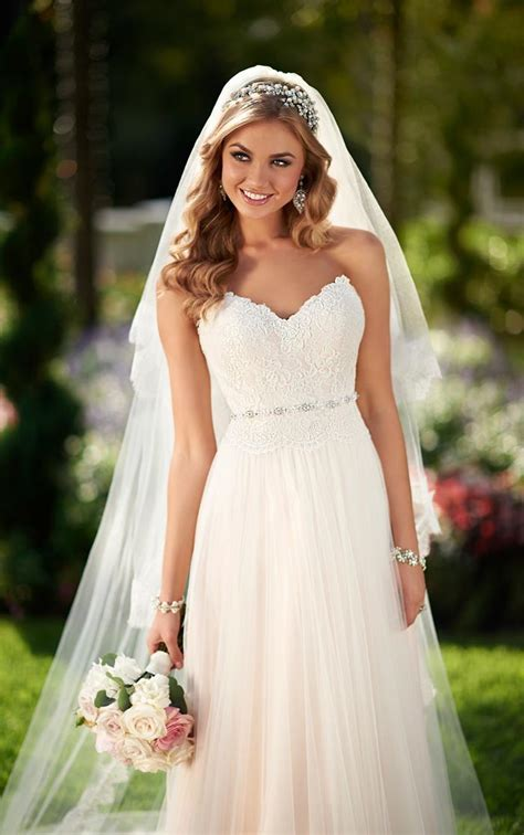 10 Tips For Finding The Perfect Wedding Dress   Modern Wedding