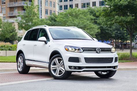 volkswagen touareg vw review ratings specs
