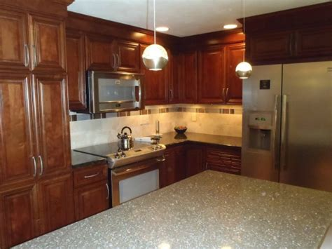 useful tips for choosing granite countertops modern kitchens 4 tips for selecting quartz surfaces and countertops