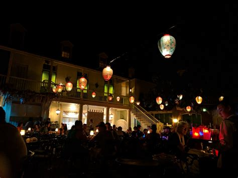 fantasmic seating fantasmic dining packages review at disneyland