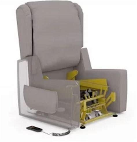 poltrone elettriche relax poltrone elettriche alza persone per anziani e disabili