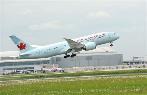 taking a to canada air canada boeing 787 dreamliner employees their impressions