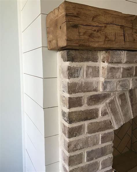 mantel brick fireplace reclaimed brick 25 best ideas about rustic mantle on wood