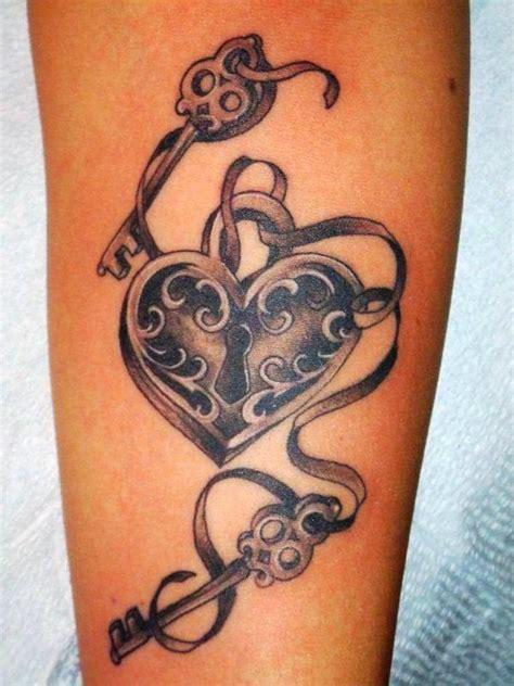 Los tatuajes de corazones, ideas y significado | Belagoria ... K Design Tattoo