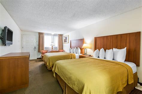 cheap hotel rooms in bakersfield ca quality inn suites bakersfield in bakersfield cheap hotel deals rates hotel reviews on