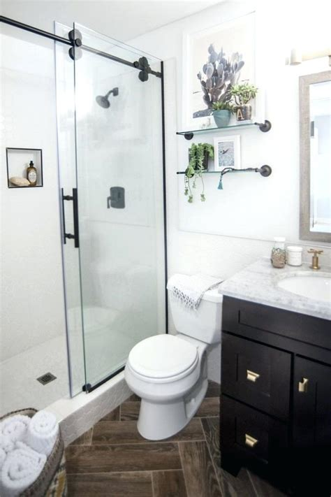 bathroom remodeling ideas for small master bathrooms small master bathroom remodel designs small master