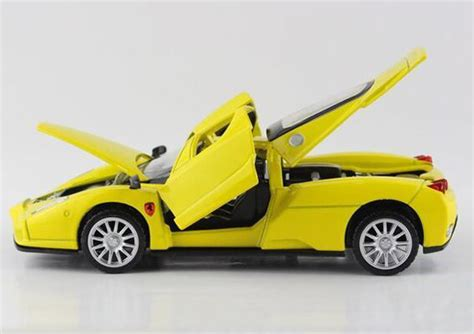 Bburago Enzo 132 1 32 scale green yellow diecast enzo