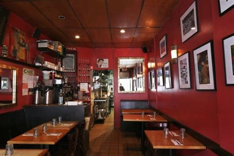 French Bistro Kitchen Design by 7 Tiny Restaurants In Nyc With Lots Of Personality