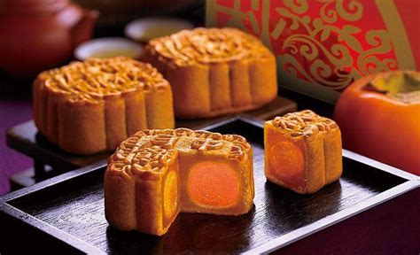 new year moon cake moon festival moon cake festival asia backpackers