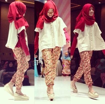 tutorial hijab pashmina ala shirin al athrus berawal dari selebgram shirin al athrus rilis buku