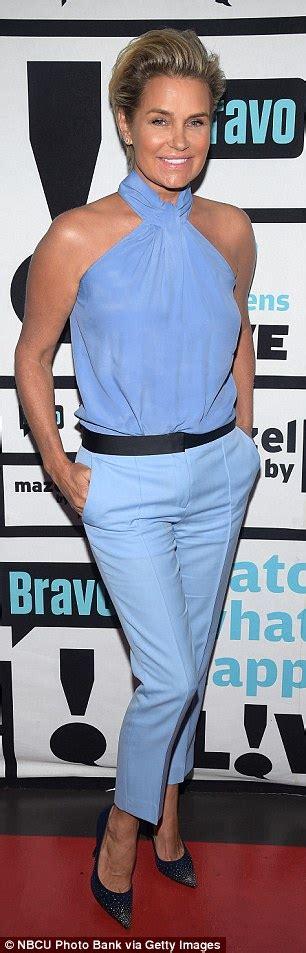 what pants does yolanda foster always wear yolanda hadid slams rebecca romijn on twitter over gigi