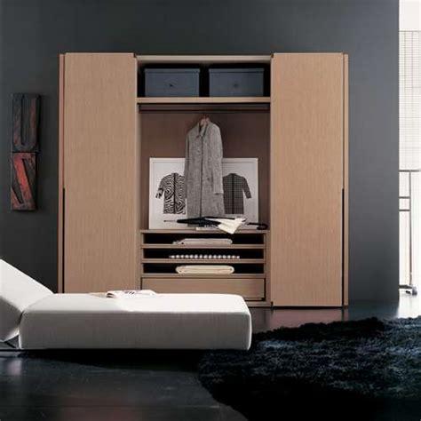 Lemari Plastik Transparan 10 model lemari pakaian minimalis