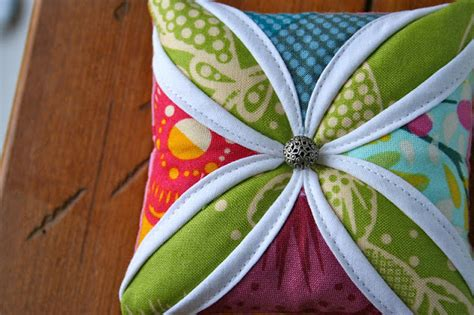 Cathedral Window Patchwork Pincushion - my go go cathedral window pin cushion tutorial