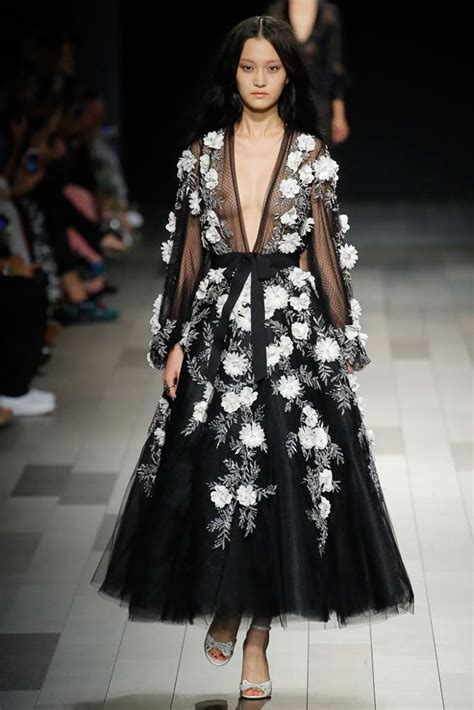 Catwalk To Carpet Nicky In Marchesa by Runway Report Marchesa Ss18 Palermo