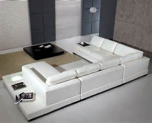 deco in canape cuir d angle blanc avec meridienne