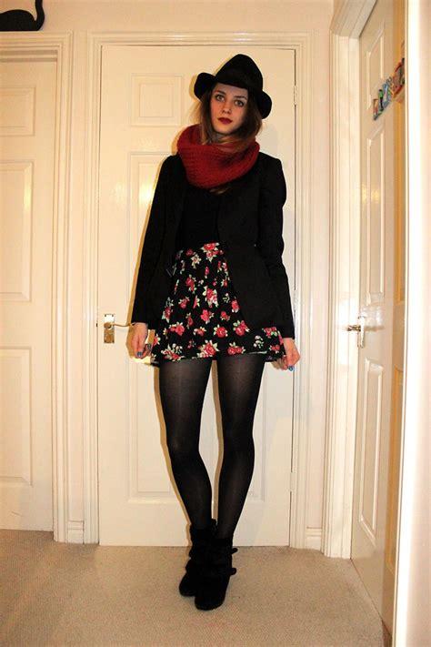 laurel elizabeth hm black trilby diy red snood ted