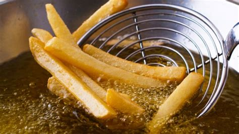 Minyak Goreng M M ciri minyak goreng yang sehat adalah cair seperti air