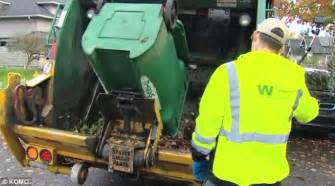 Waste Management Background Check Seattle Garbageman Hailed A After Returning 12 000 Checks To School Charity