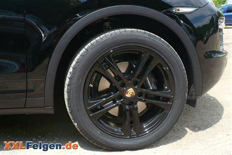 Porsche Nabendeckel by Porsche Cayenne Mit Dbv Mauritius Black 20 Zoll Felgen