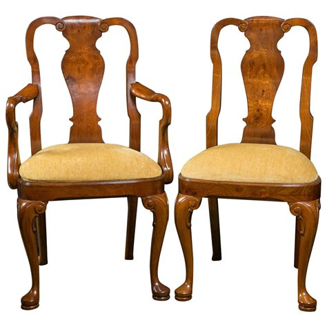 queen anne dining room chairs walnut queen anne style dining chairs for sale at 1stdibs