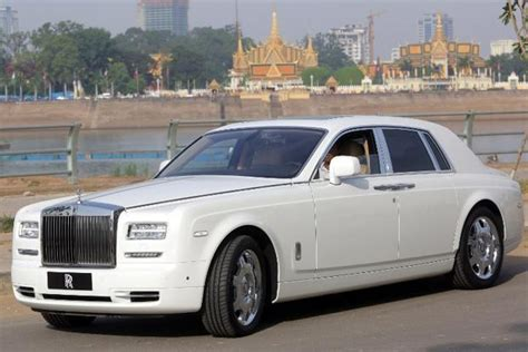 rolls rise car rolls royce working on new model to hit market by mid