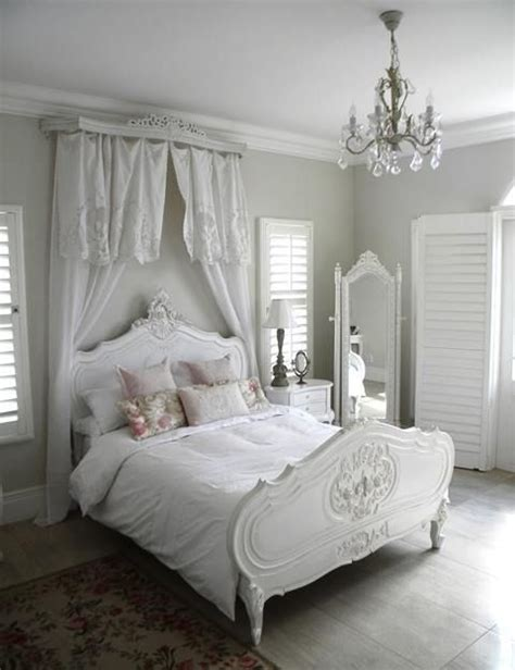 shabby chic bedroom chandelier 25 best ideas about shabby chic chandelier on pinterest