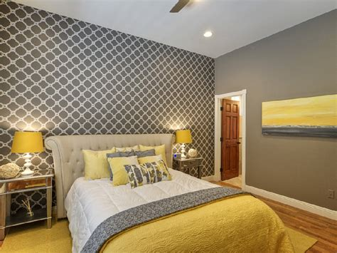 Bedroom Decorating Ideas Yellow Grey Chic Yellow And Grey Bedroom Bedroom Gray