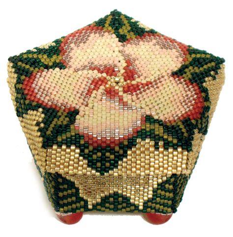 beaded boxes flower jpg 1 014 215 1 035 pixels beaded boxes bags
